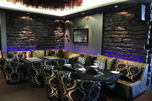 Black Taverna Lounge